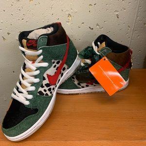 Rare- Nike SB Dunk High Dog Walker Sneakers